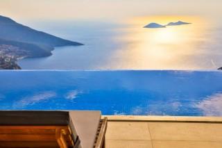 Villa May, Flitterwochenvilla zu vermieten mit Meerblick | Kalkan