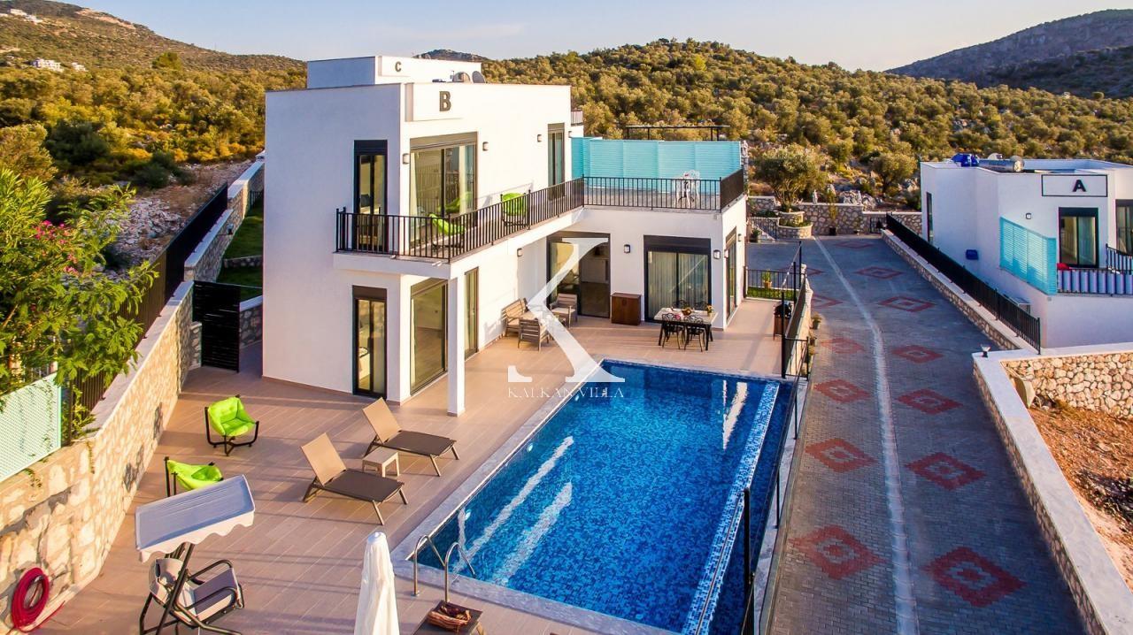 Villa Nazlı Duo