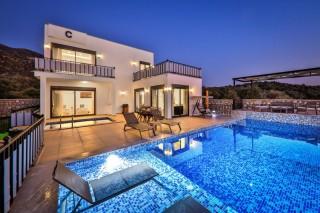 Villa Nazli Quattro, rental villa with heating pool and garden