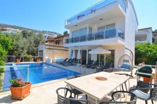 Villa Kalamus, Villa for Rent in Kalamar Bay with Sea View