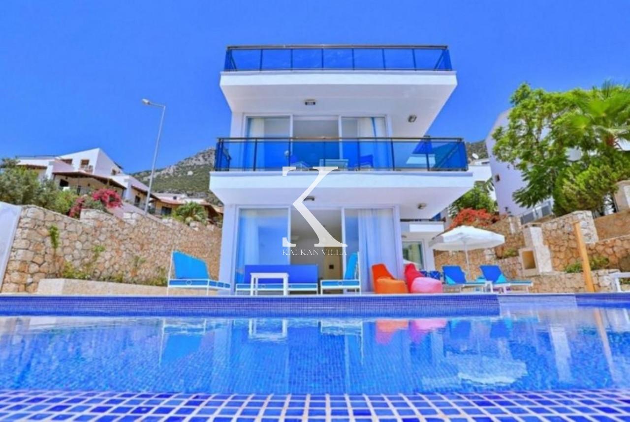 Villa Trios