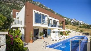 Villa Sef Luxusvilla mit Meerblick und ruhiger Lage