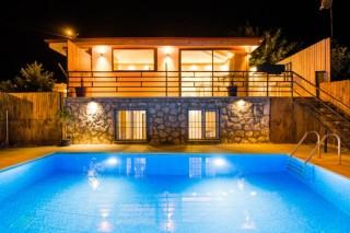 Villa Kutay Doğa içerisinde, Taş Mimarili, Lüks | Kalkan Villa