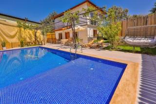 Villa Efeoğlu, konservativ, mit Whirlpool, Dorfhaus | Kalkan Vill