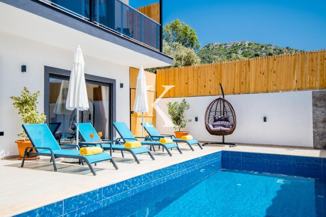 Villa Black