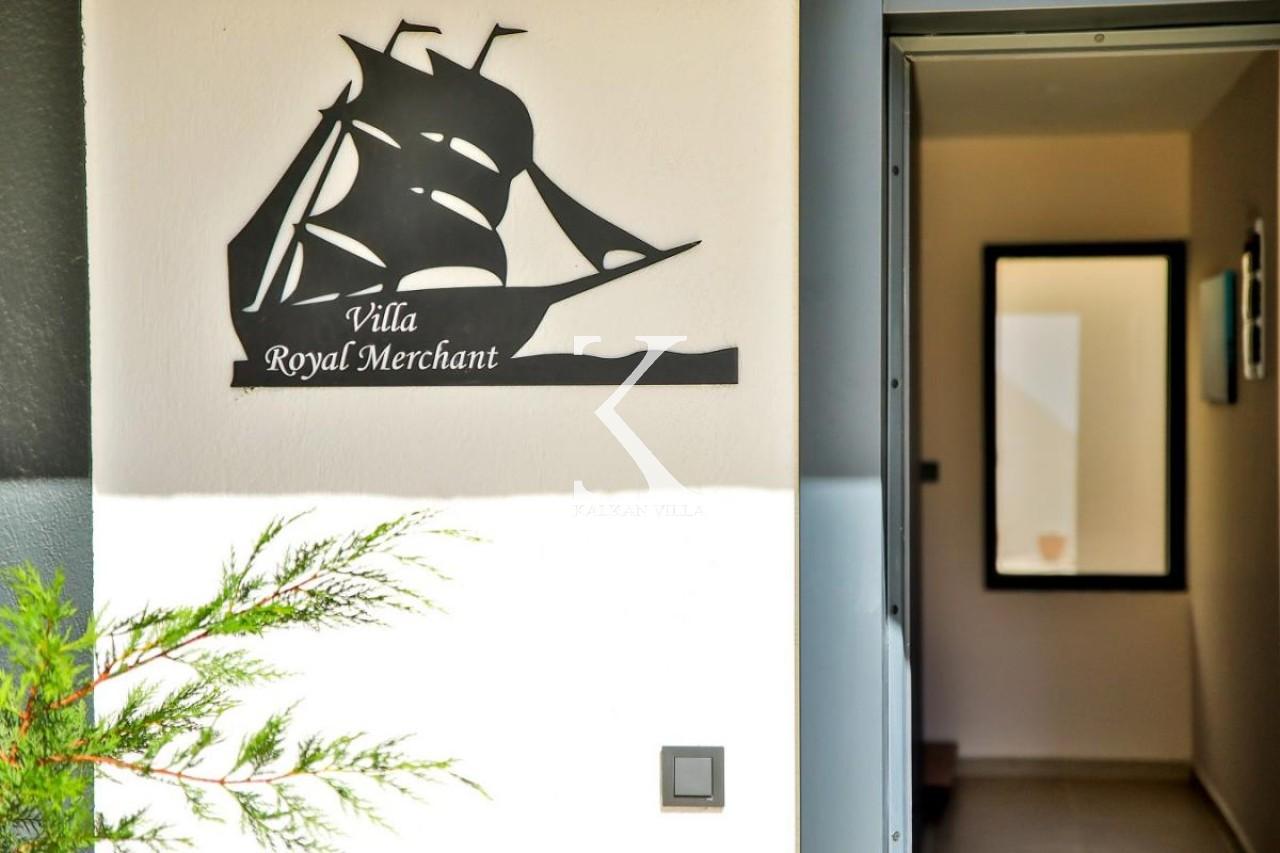 Villa Royal Merchant