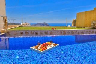 Villa Mandalina, Kalkan'da Deniz Manzaralı Korunaklı Villa