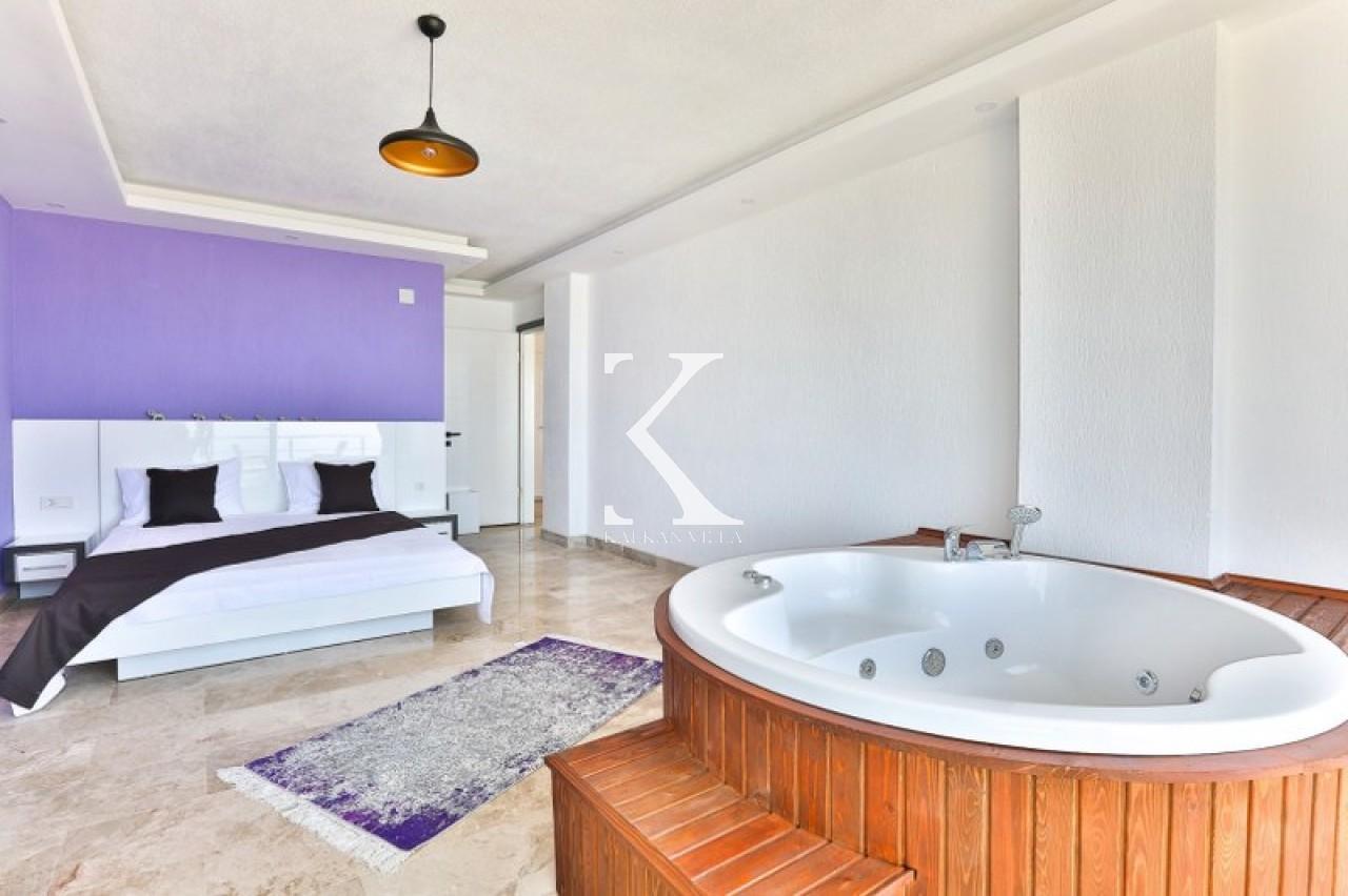 Purple Suit Apartments