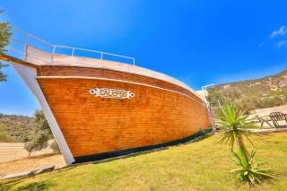 Villa Calypso ist eine vom Schiff entworfene Ferienvilla in Patar