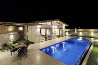 Villa Zeyla , Sarıbelen bölgesinde , Jakuzili Balayı Villası