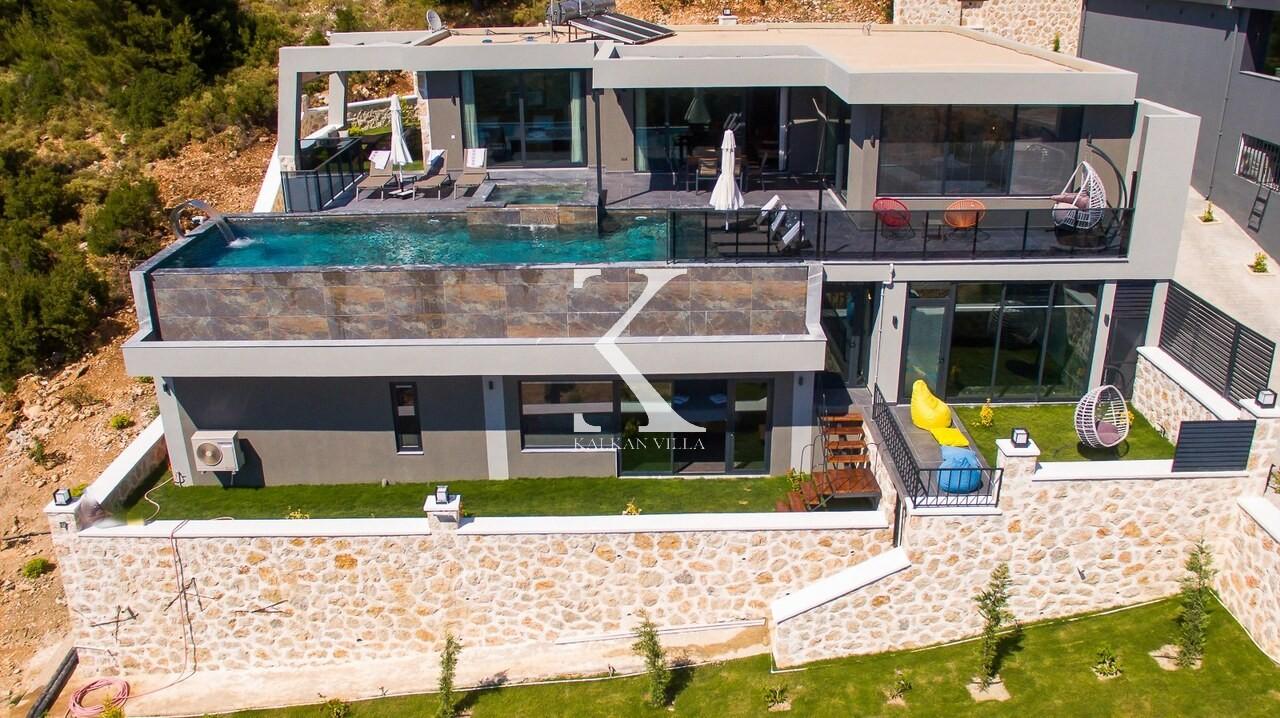 Villa Silver House