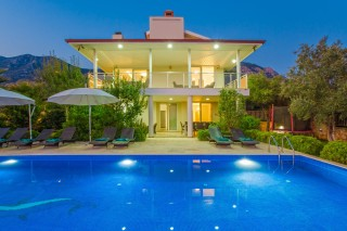 Villa Bouquet , Kalkan'da Muhteşem Manzaralı Lüks Villa