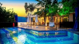 Villa Dorelli, Muhafazakar Balayı Villası | Kalkan Villa