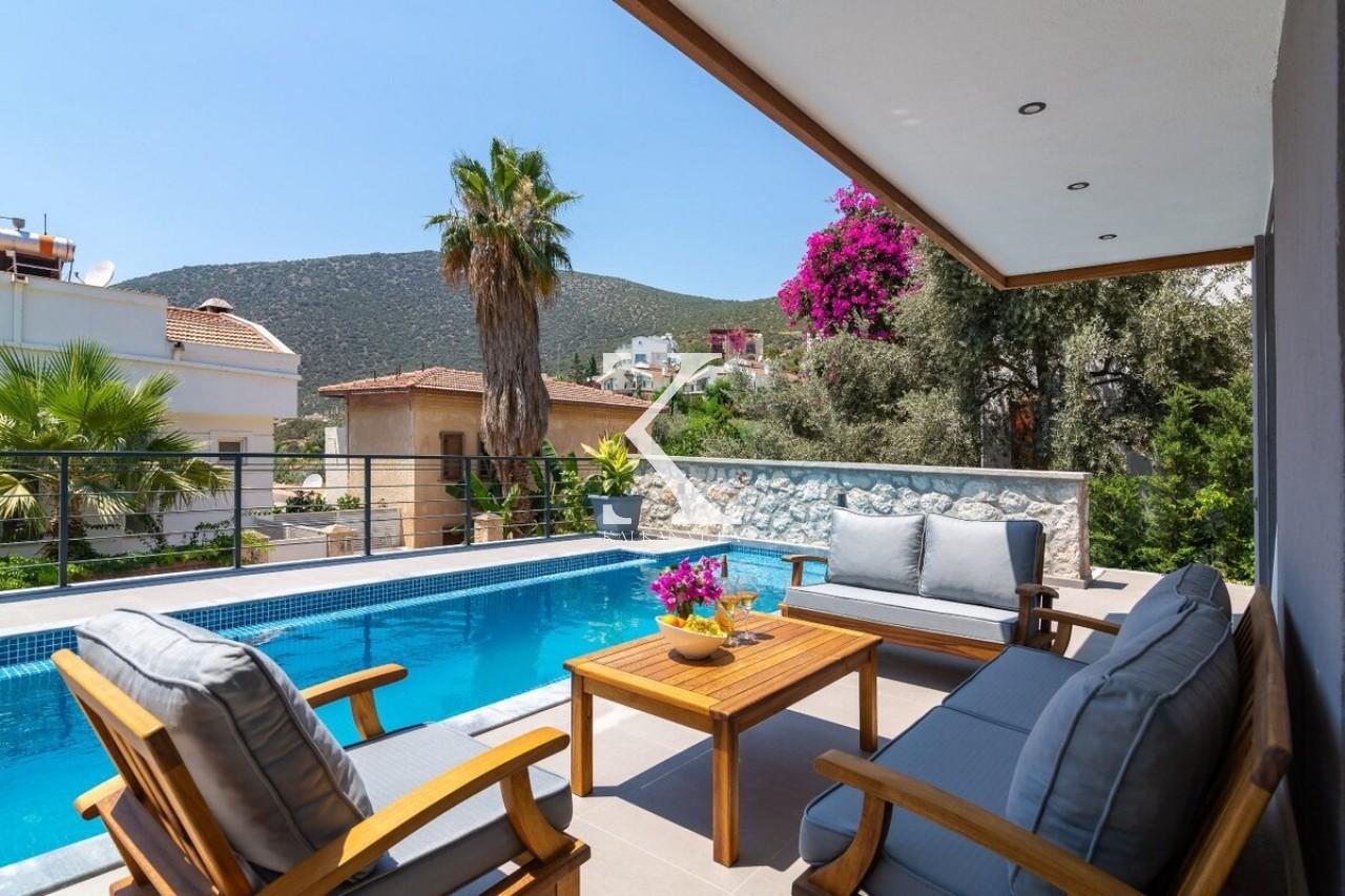 Villa Bay Life