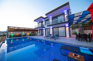 Villa Güvenc, Balayı, Jakuzi, Muhafazakar, 4 Kişi   Kalkan Villa