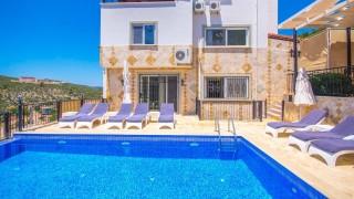 Villa Zirve, 19 Kişilik, Deniz Manzaralı | Kalkan Villa
