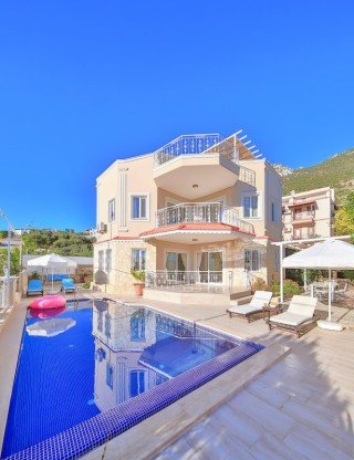 Villa Enrica, Kalkan'da 4 kişilik Korunaklı Villa | Kalkan Villa