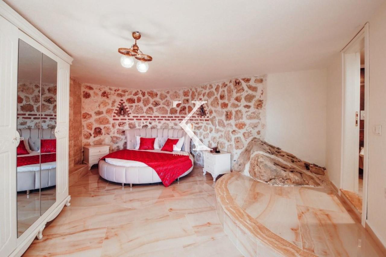 Villa Charissa