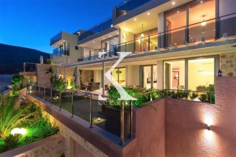 Fenix Luxury Apartment