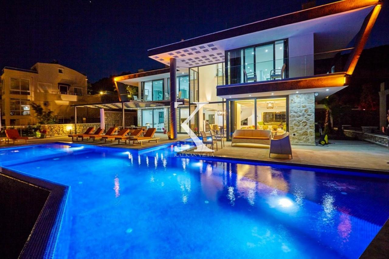 Villa Unlimited