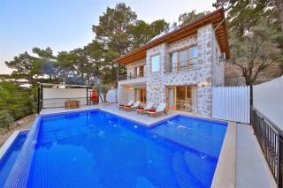 Villa Leon, Conservative Villa with Jacuzzi | Kalkan Villa