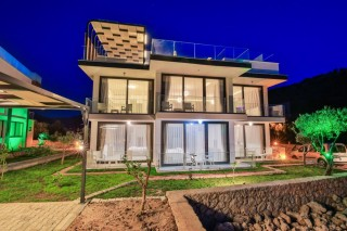 Villa Angela, 3 Schlafzimmer Luxusvilla in Kalkan Kisla Bay