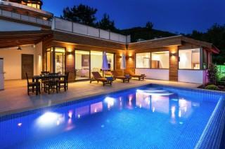 Villa Lale İslamlarda 4 kişilik Korunaklı Villa|Kalkan Vill