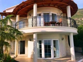 Villa Moby, Kalkan merkeze yakın konumda 6 kişilik Kiralık Villa