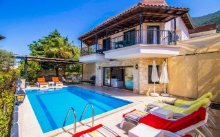 Villa Karahan, Ferienvilla mit 3 Schlafzimmern in Kalkan-Zentrum