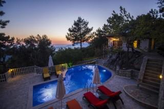Villa Harzem İslamlar Köyünde 4 yatak odalı 8 kişilik