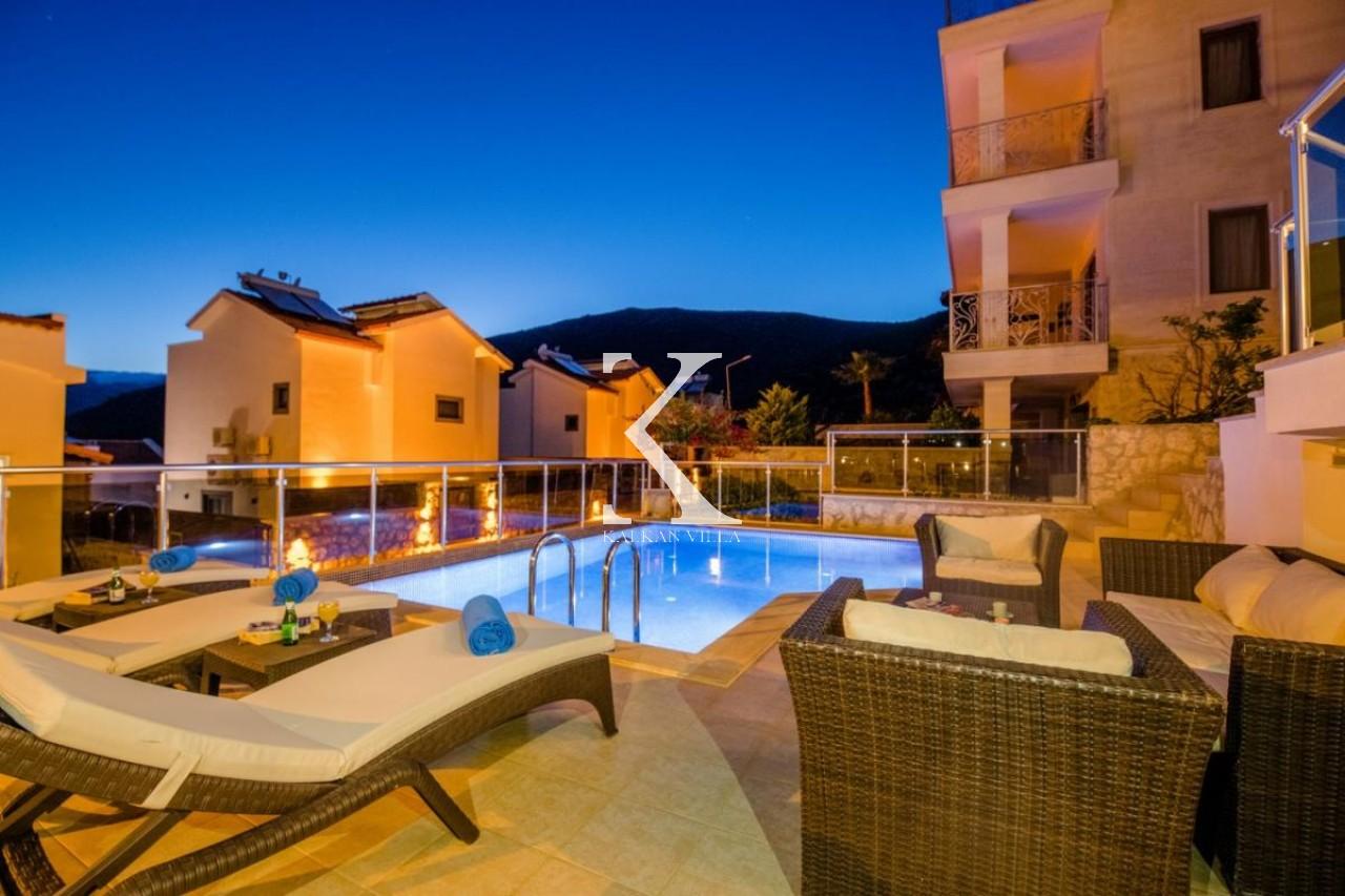 Villa Gold