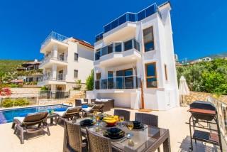 Villa Gold. 3 Schlafzimmer-Ferienvilla in Kalkan-Kalamar