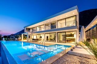 Villa Viola - 4 bedroom luxury villa for rent in Kalkan Kördere.