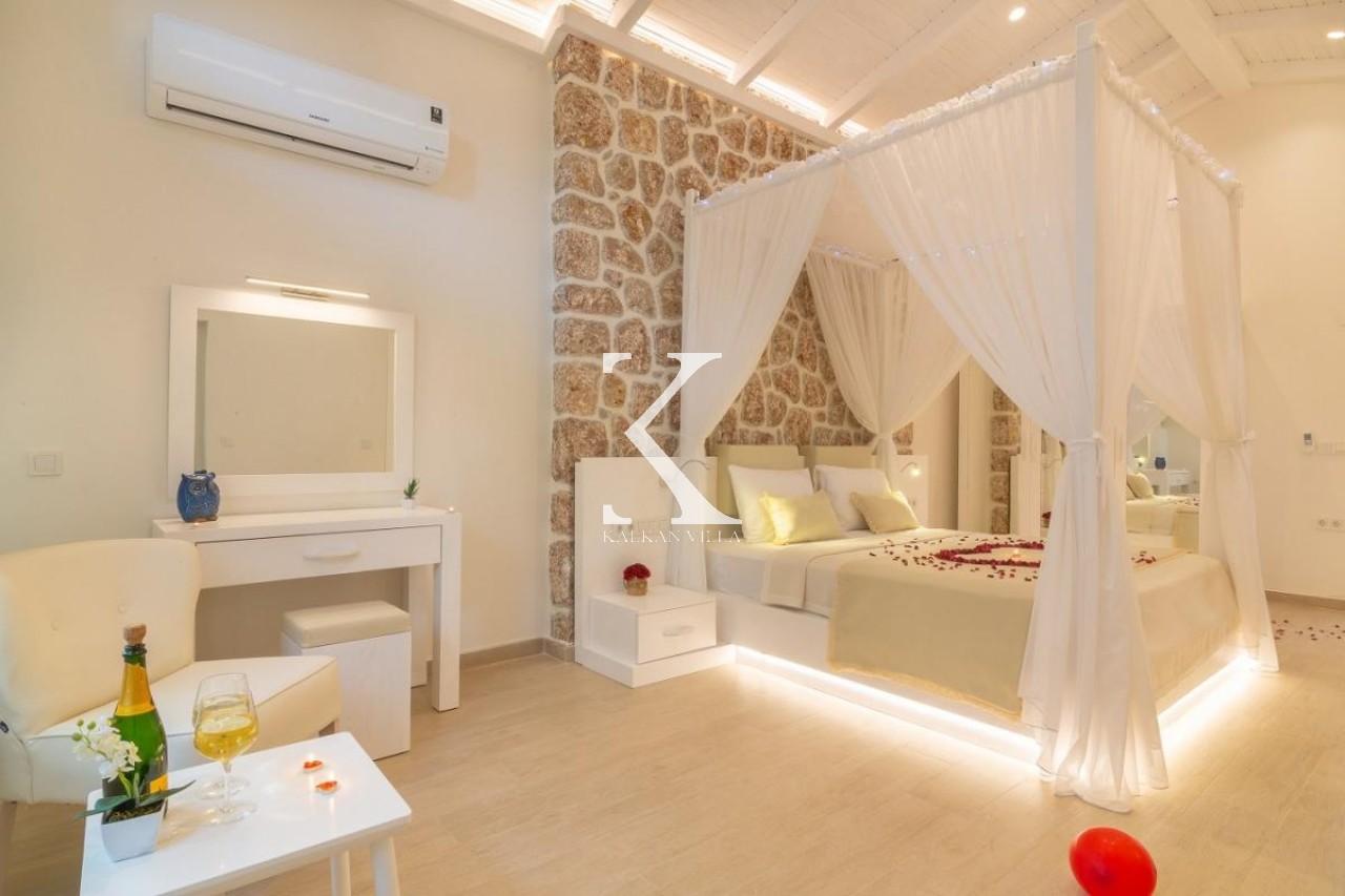 La Mer Suit Apartments