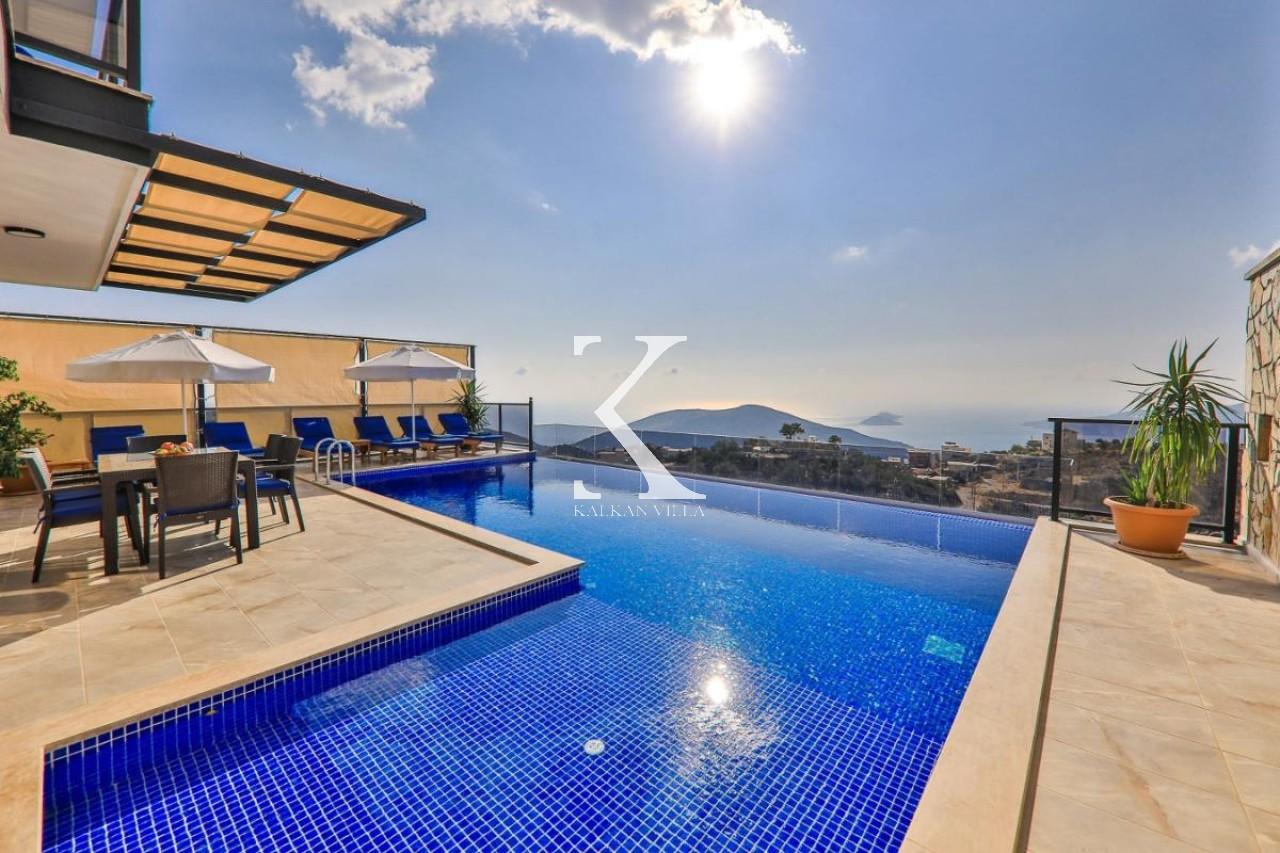 Villa Blue Star