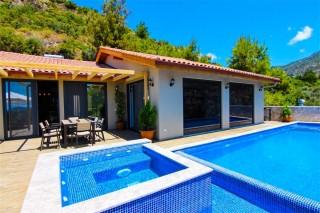Villa Myra, konservative Villa für 6 Personen im Dorf Kalkan Isla