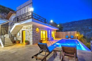 Villa Safi, Luxury, conservative villa with indoor pool in Islam