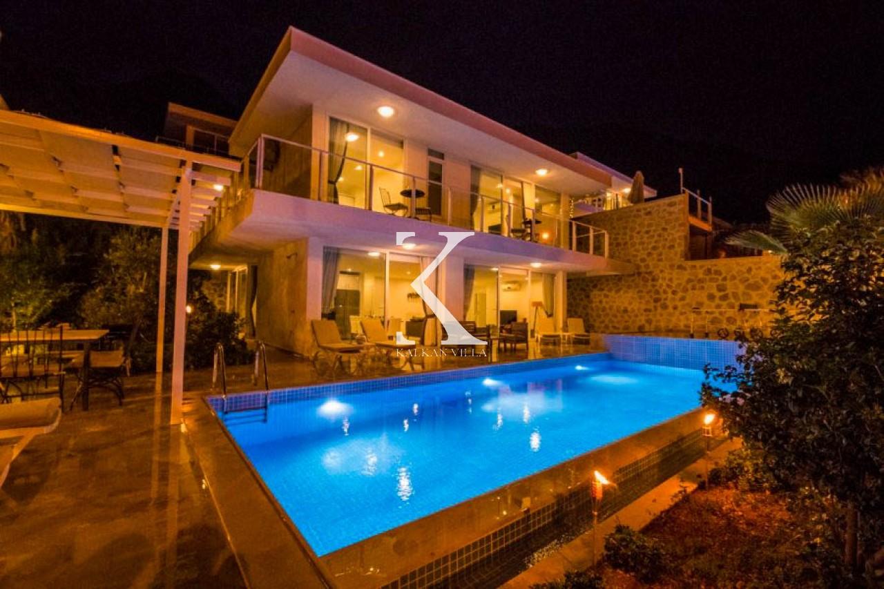 Villa Lumiere 1