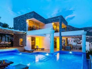 Villa Adalar, Kalkan'da 8 kişilik lüks kiralık villa