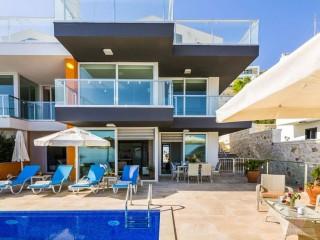 Die Villa Hecky ist eine Luxusvilla mit 2 Schlafzimmern in Kalkan