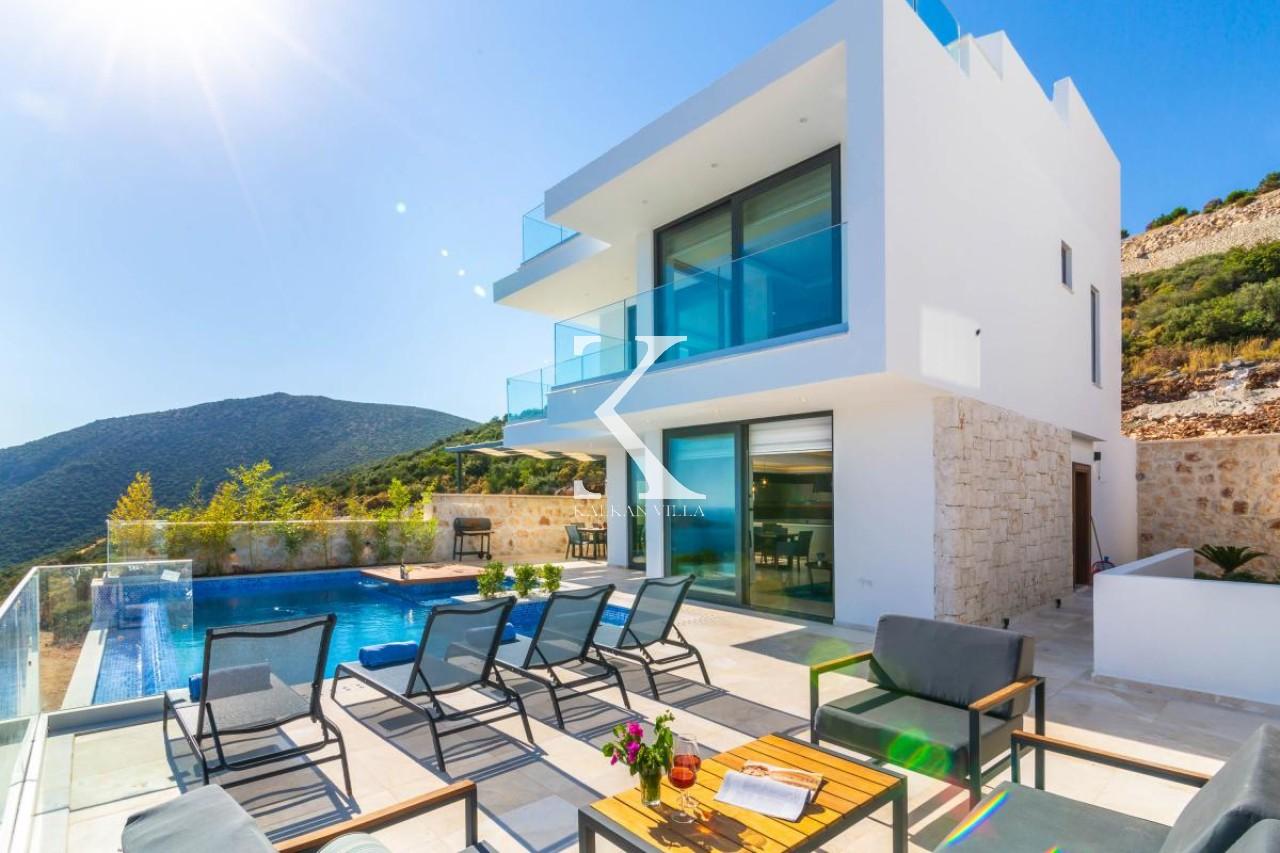 Villa Marvel