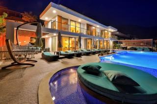 Villa Pırlanta, Infinity-Pool, Luxus-Kalkan-Mietvilla